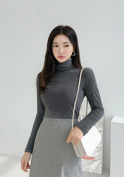 Paula Warm Turtleneck Top