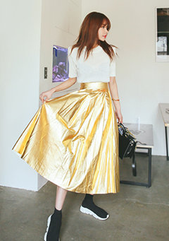 Lightly Flared Super Shiny Skirt