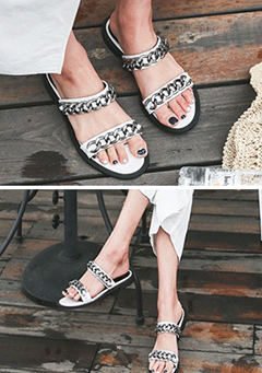 Chain-Strapped Open Toe Slippers