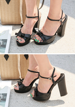 Ribbon Accent Chunky-Heeled Sandals