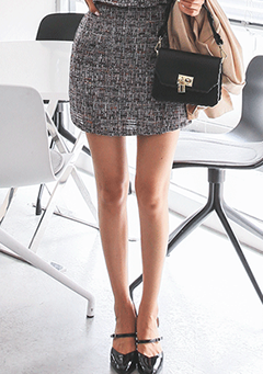Tweed H-Line Mini Skirt