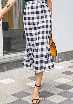 Linen Mermaid Hem Check Skirt