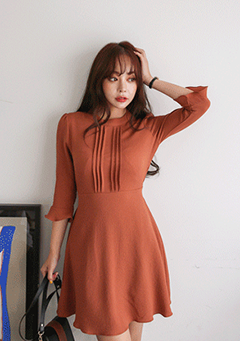 Round Neck Flared Cuff Ribbon Detailed Dress