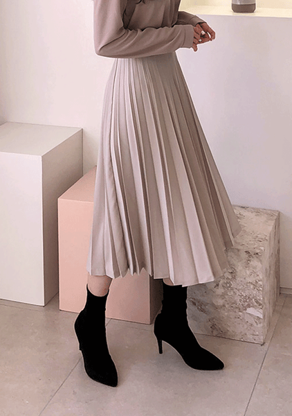 One And Only Pleats Long Skirt