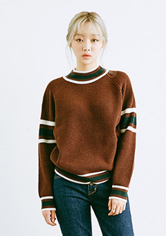Line Neck Basic Knit