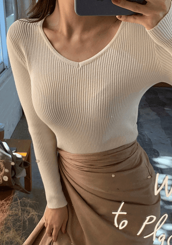 Slim Body Fit Ribbed V-Neck Knit