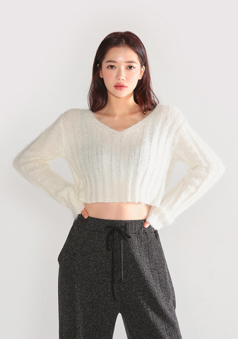 Cropped Alpaca Knit Top (31% Wool)