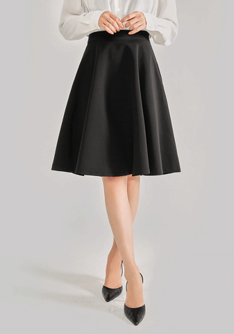 Average 170. Daily Long Flare Skirt