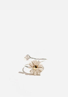 Flower N Cubic Ring