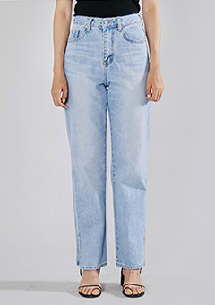 Side Slit Relaxed Fit Jeans