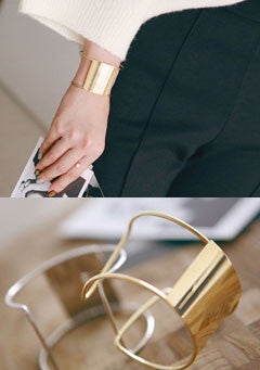 Rolleny Bold Slit Bangle