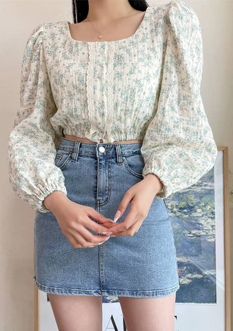 Flower Princess Puff Crop Blouse