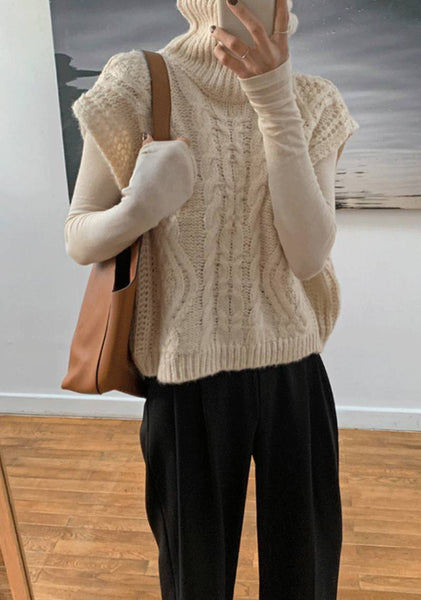 The Day Dreaming Twist Knit Vest