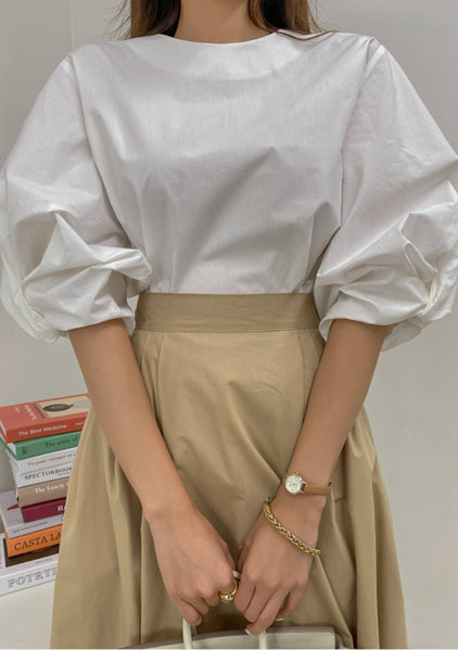 In A Room Of Conversation Puff Blouse