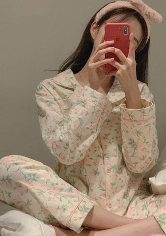 Sleeping Flowers Pajamas Set