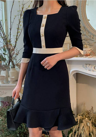Square Neck Pearl Line Dress