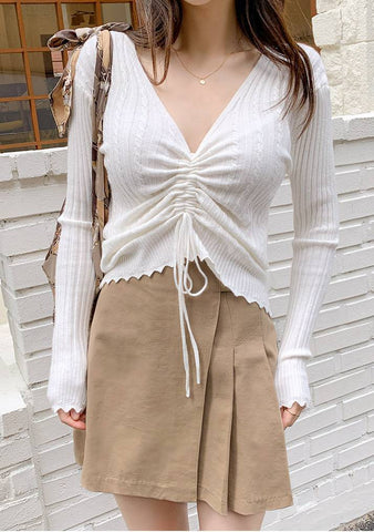 Very Nice Shirring V-Neck Knit Top