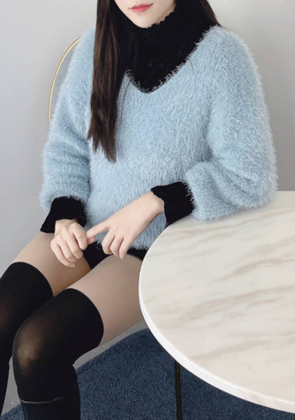 Frosty Iceberg V Neck Knit Top