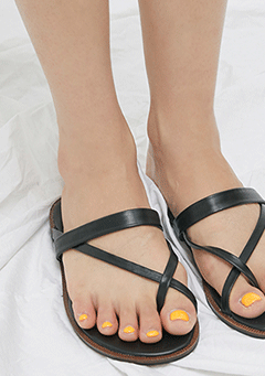 X Twisted Strap Sandal