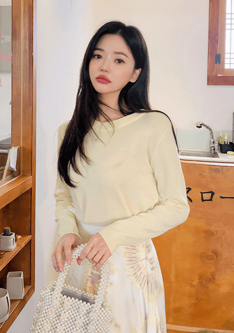 Pastel-Colored Round Neck Knit