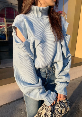 Romance Called Open-Shoulder Knit Sweater