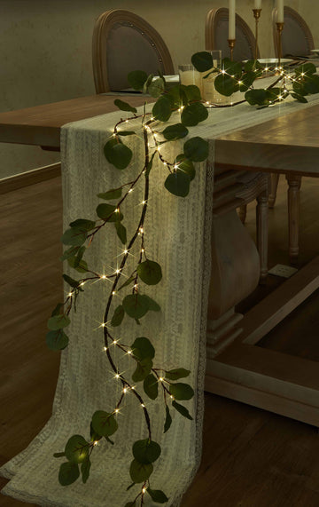 Hairui  Lighted Artificial Eucalyptus Garland 6FT 96 LED Battery Operated Greenery Twig Vine Lights