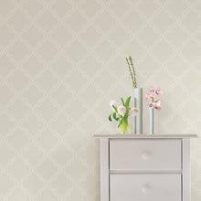 Load image into Gallery viewer, Taupe Quatrefoil Peel & Stick Wallpaper