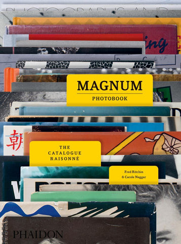 Magnum Photobook  by Carole Naggar - 9780714872117