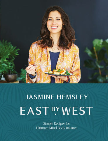 East by West  by Jasmine Hemsley - 9781509858125
