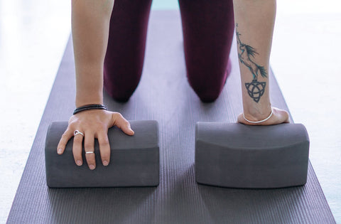 Manduka unBLOK supporting the wrists in a kneeling asana - Manduka | Eco Yoga Store