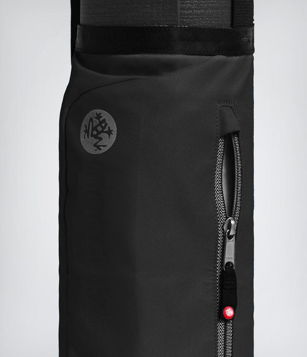 Manduka Go Play 3.0 Mat Carrier - Black - close-up of zipper | Eco Yoga Store