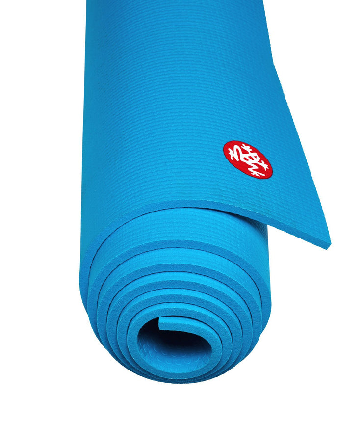 Manduka PRO 6mm Yoga Mat - Dresden Blue - rolled end on | Eco Yoga Store