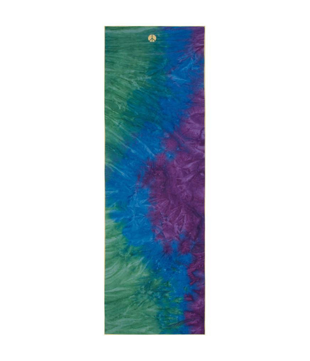 Manduka Yogitoes Mat Towel - Peacock - lying flat | Eco Yoga Store
