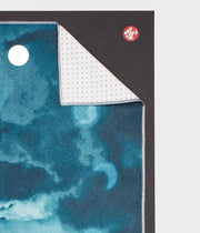Manduka Yogitoes Mat Towel - Lunar - lying flat, corner folded over | Eco Yoga Store