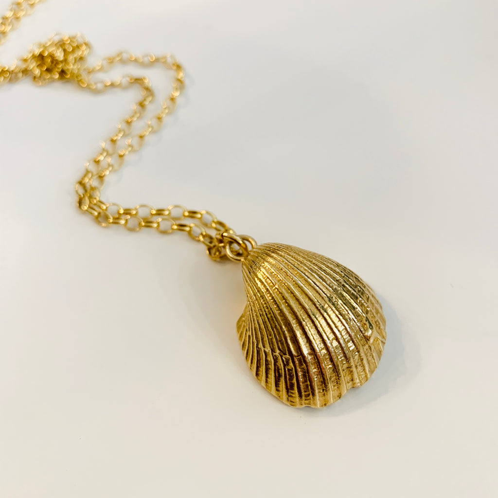 Large Clam Shell Necklace - GOLD