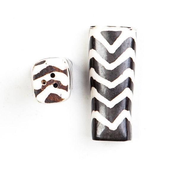 Salt and Pepper Shaker Set Zig Zag Design