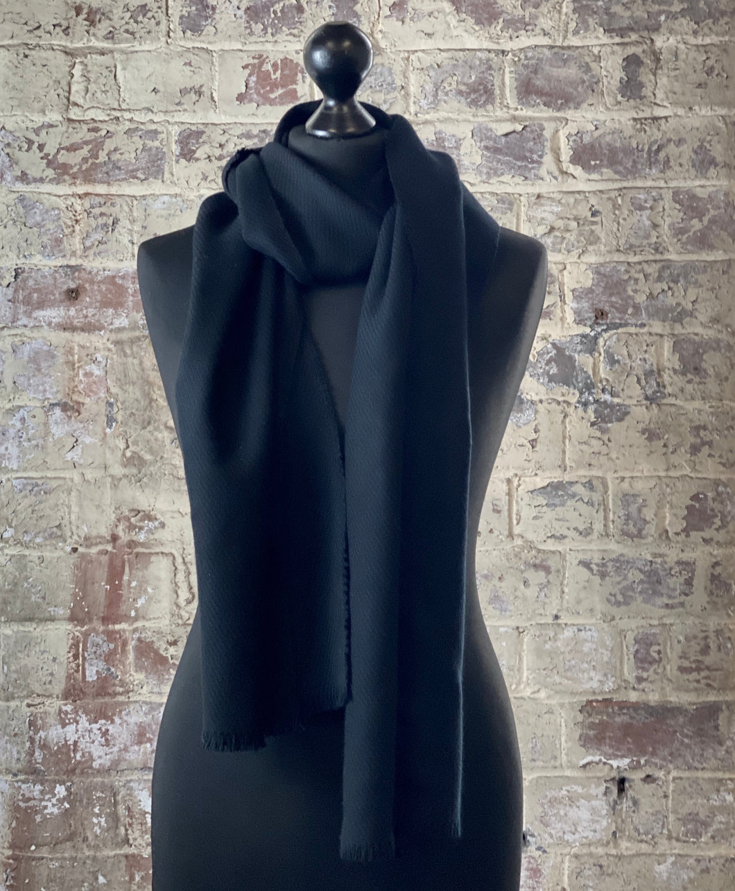 100% pure cashmere scarf shawl wrap pashmina sustainable black UK Scotland mens womens