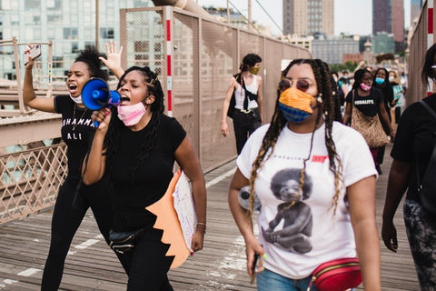 do i need face mask at black lives matter protest? breonna taylor protest