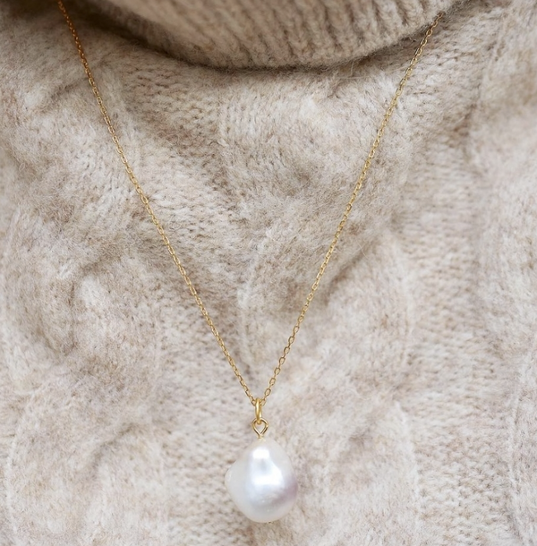 CHARM BAROQUE PEARL  Gold