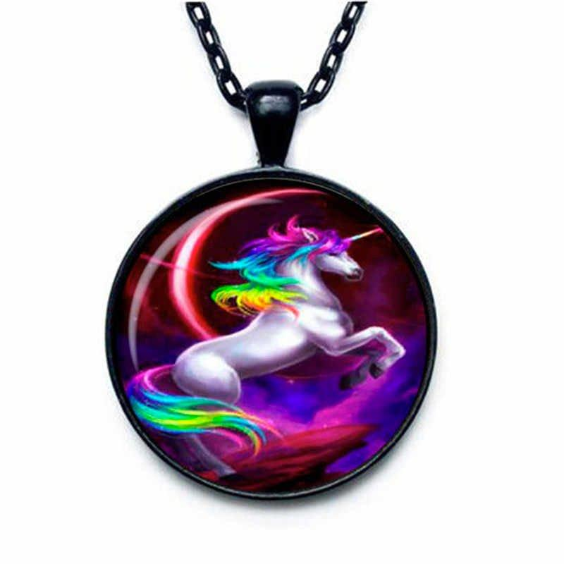 Unicorn Necklace Round Black