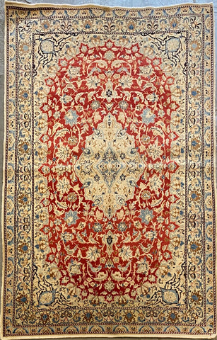 "Persian Nain Traditional Style Hand-Knotted Natural Wool and Silk Rug  4'0'' X 7'9"" ABC11556"