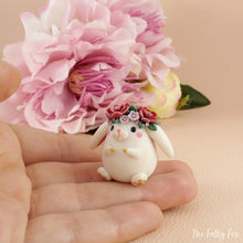 Load image into Gallery viewer, Bunny Sculpture in Polymer Clay 2 - The Folky Fox