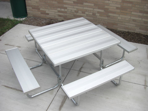 Square Table - ALUMINUM Planks