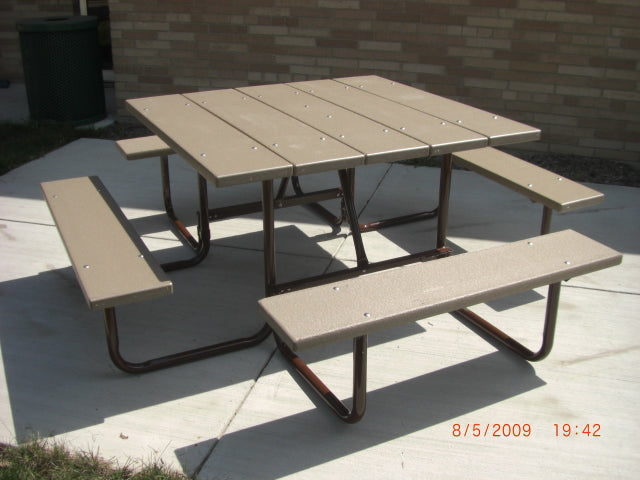 Square Table - RECYCLED PLASTIC Lumber