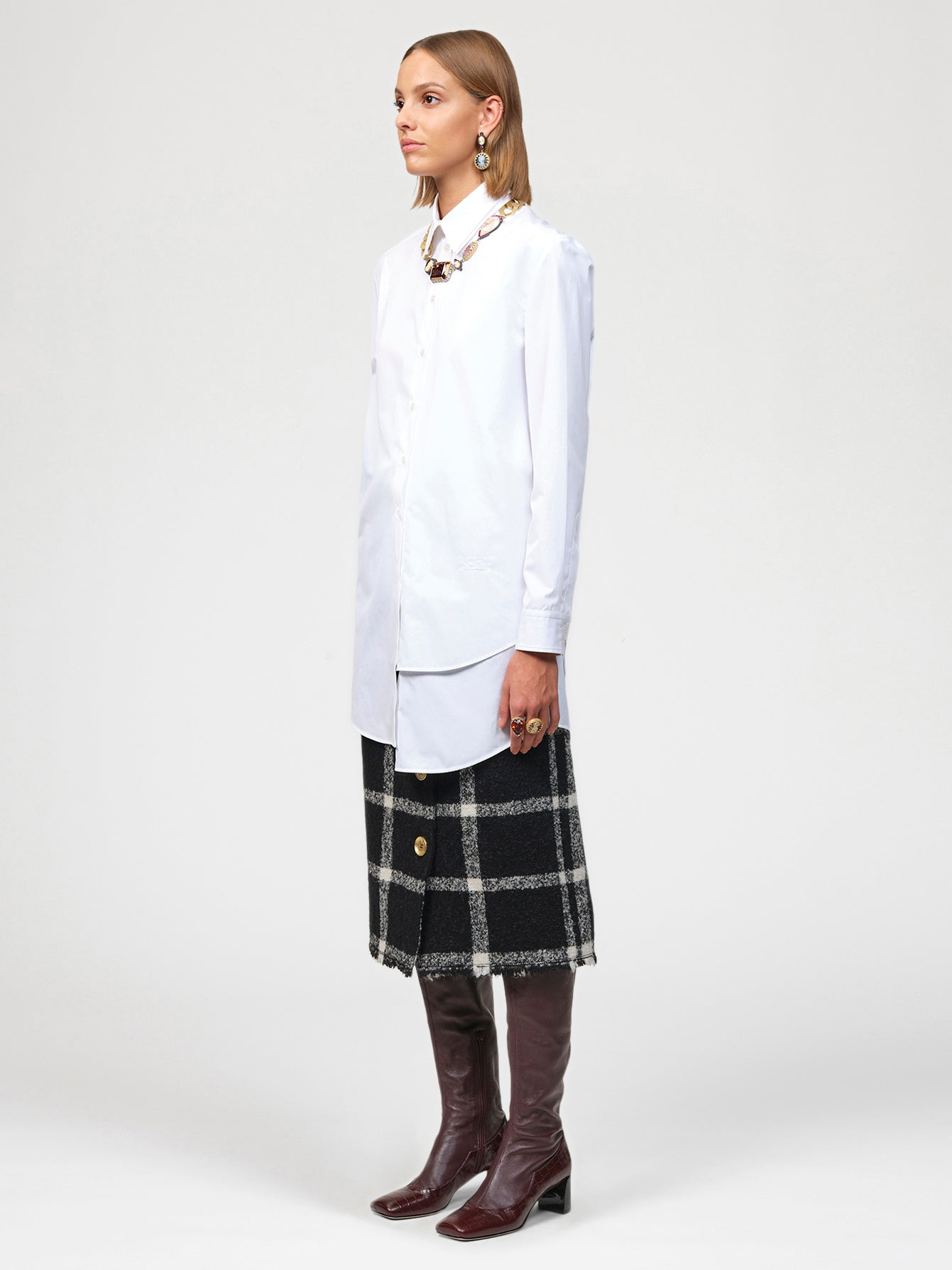 Double layer collar and hem shirt