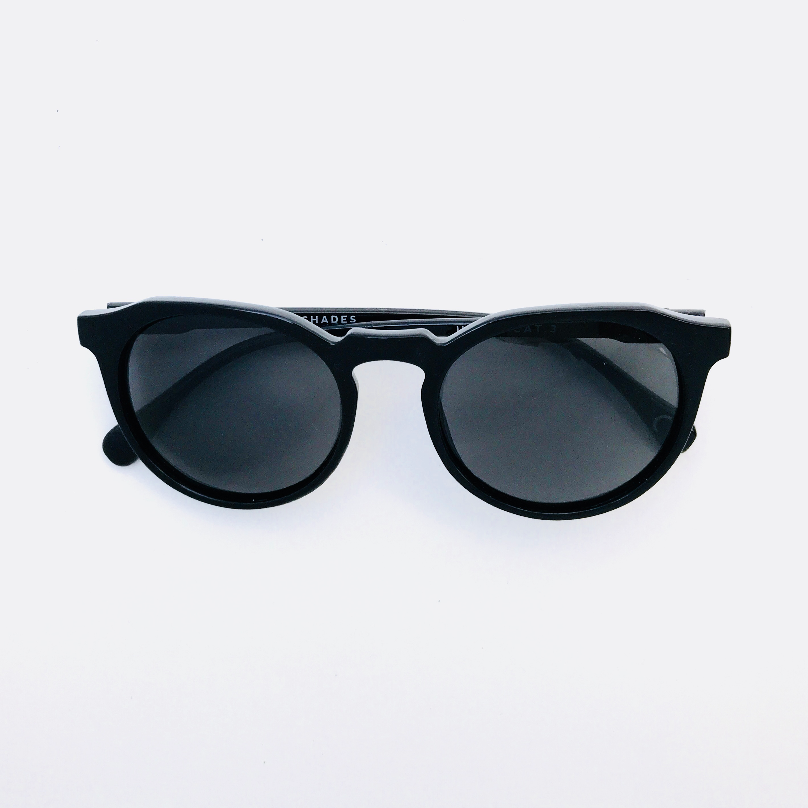 Hillwood -  Black frame with Charcoal Pentoptic®️ lens