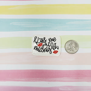 RTS Glitter Kiss me at Midnight Feltie 1.85in
