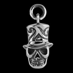 STAINLESS STEEL VOODOO SKULL WITH HAT NECKLACE