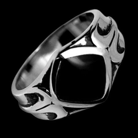 STAINLESS STEEL ONYX MOTIF RING