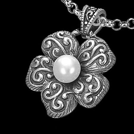 STAINLESS STEEL FLOWERING PEARL NECKLACE